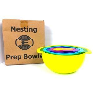 NIB Set of Nesting Mixing Bowls